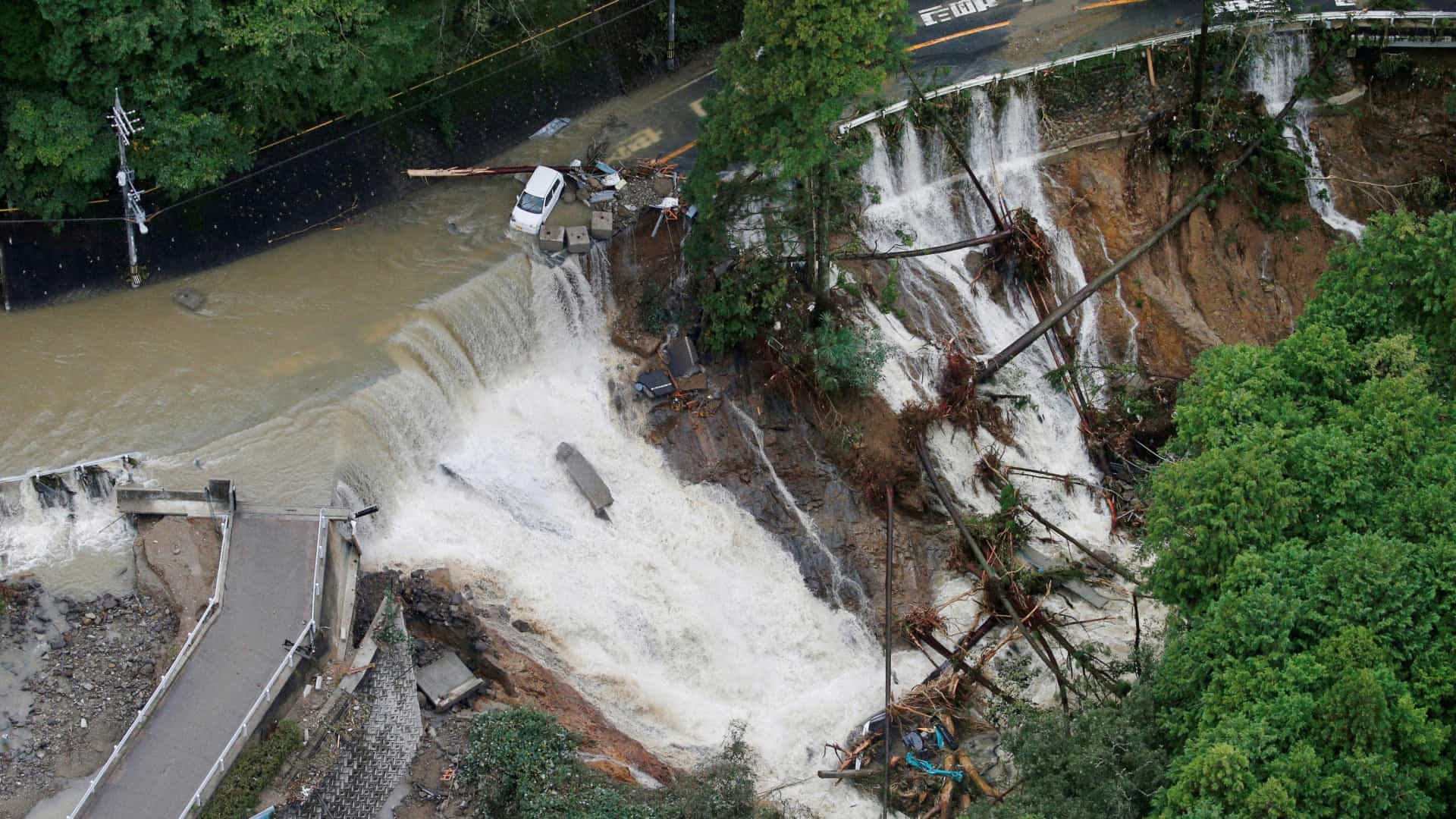 Passagem de tufão no Japão deixa ao menos 5 mortos e 130 feridos