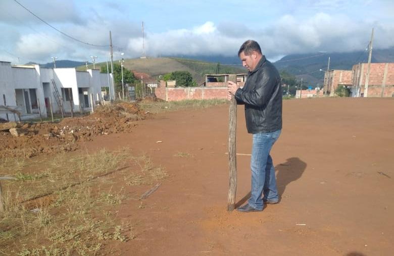 Após vandalismo de morador, obra pode ser atrasada em Vilanova
