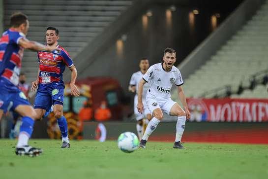 Atlético-MG perde para o Fortaleza e vê vantagem diminuir