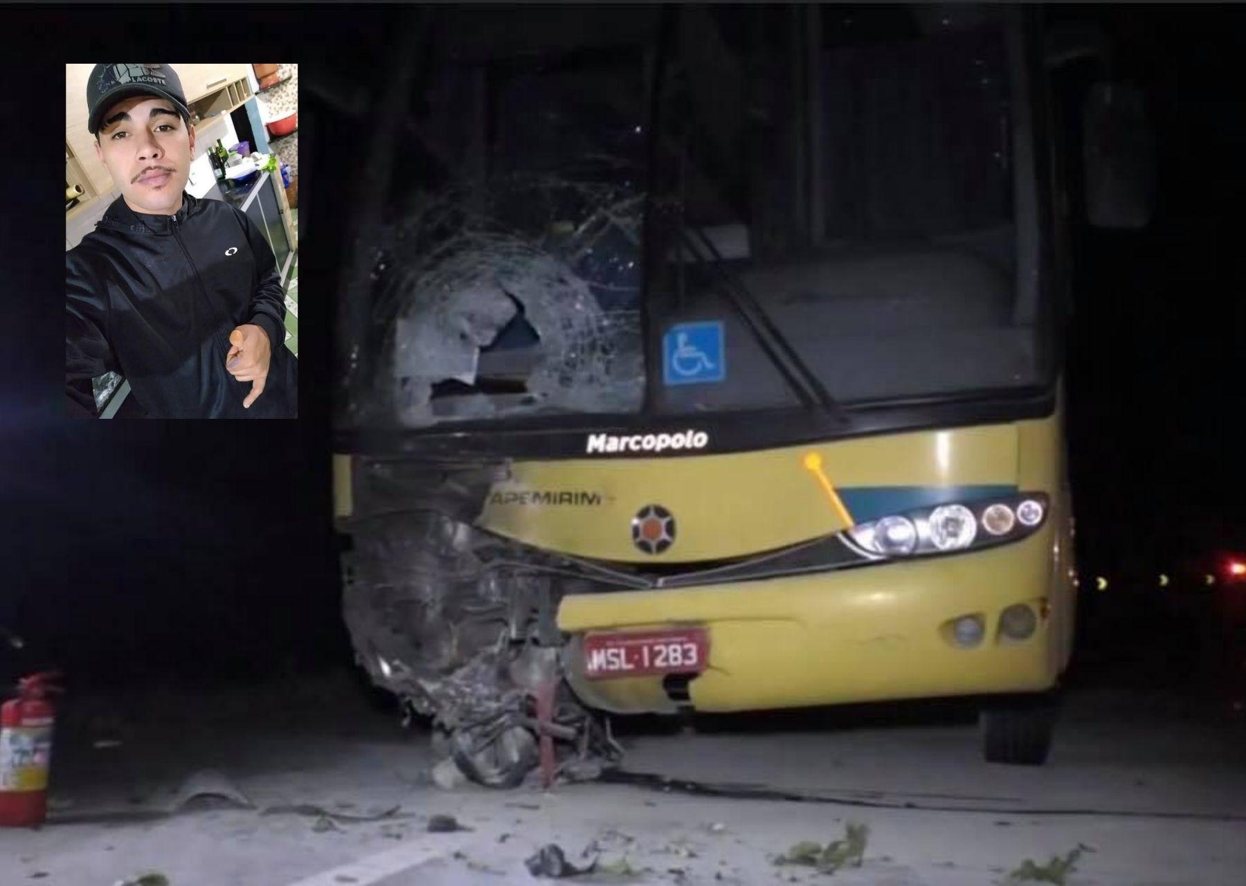Moto pega fogo e piloto morre após bater de frente com ônibus