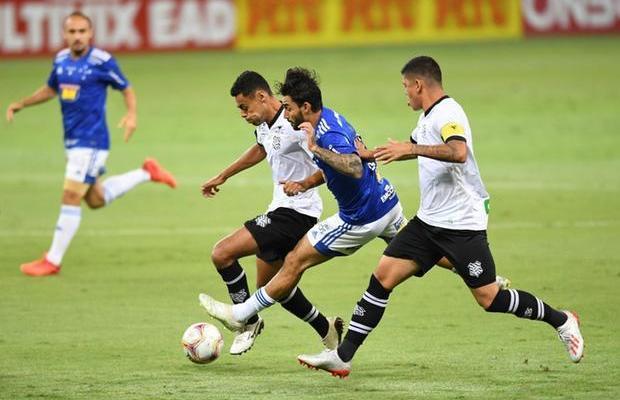 Cruzeiro empata com o Figueirense e volta a desperdiçar pontos no Mineirão