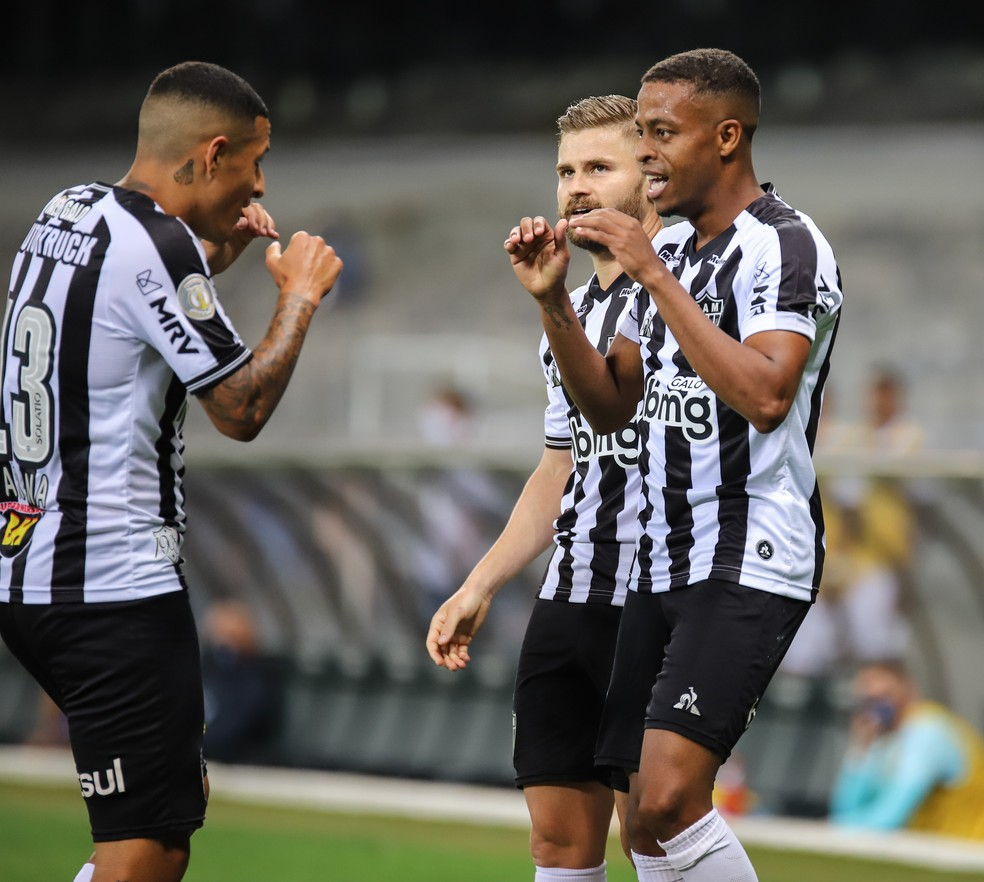 Brasileirão: Líder Atlético-MG recebe vice-lanterna Botafogo em BH