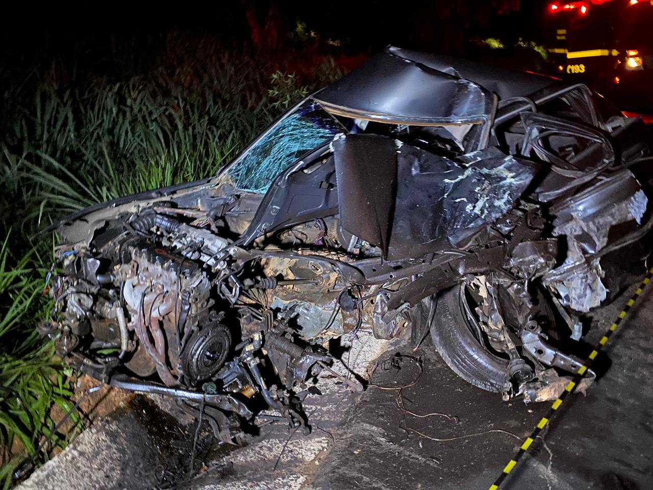 Motorista morre em gravíssimo acidente envolvendo carro e ônibus na BR-116