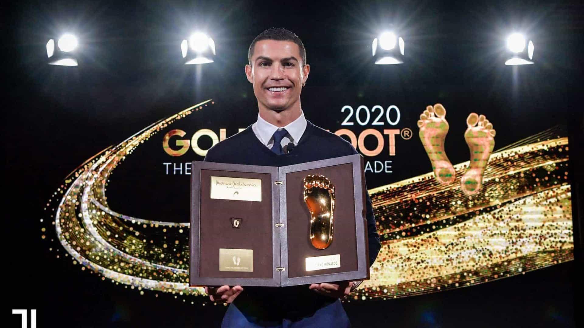 """Cristiano Ronaldo já recebeu o Golden Foot: """"É uma honra"""""""