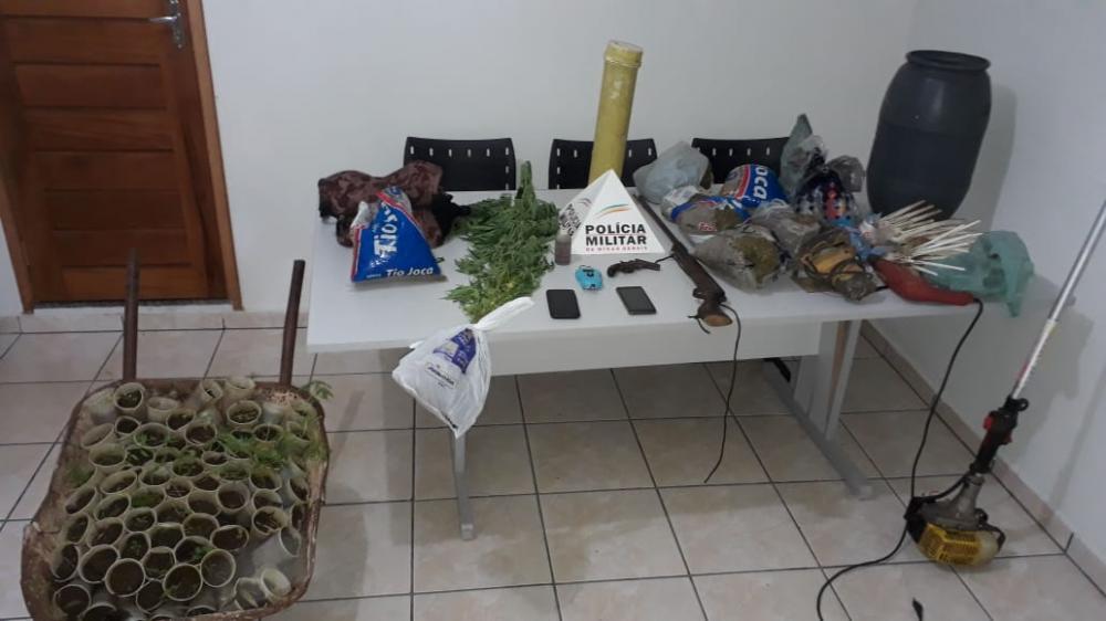 PM prende boa quantidade de drogas em um sítio na região