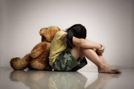 Pai é suspeito de estuprar quatro filhas após pediatras descobrirem cicatrizes nas genitálias das irmãs