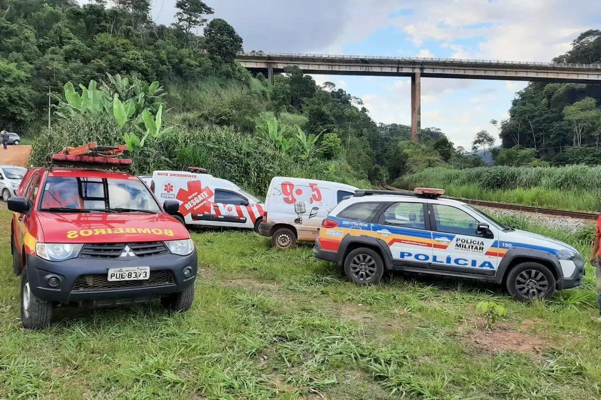Caminhão cai de ponte na BR-381, em João Monlevade, onde ônibus matou 19