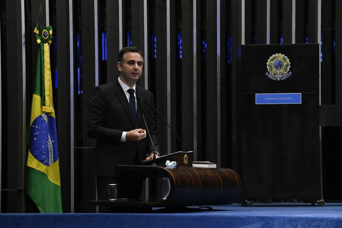 Rodrigo Pacheco vence Simone Tebet e é eleito presidente do Senado