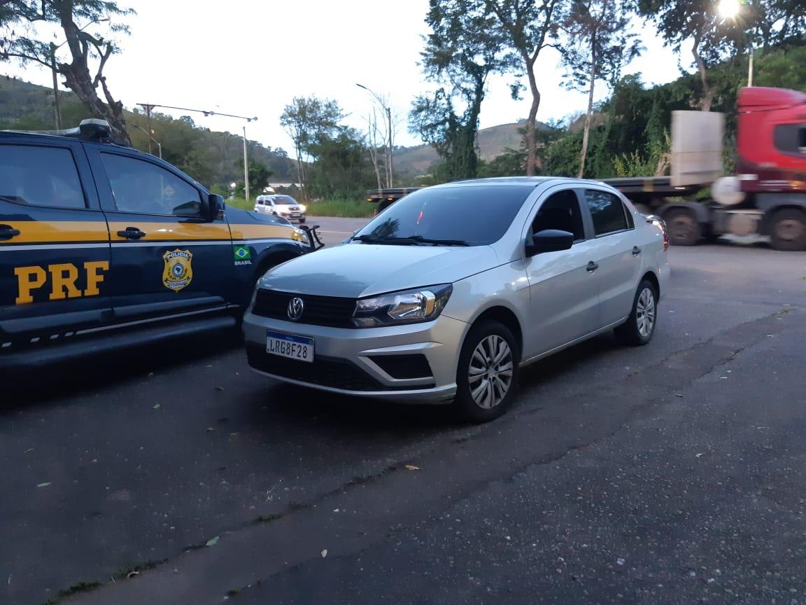 Carro furtado é recuperado pela PRF em Realeza