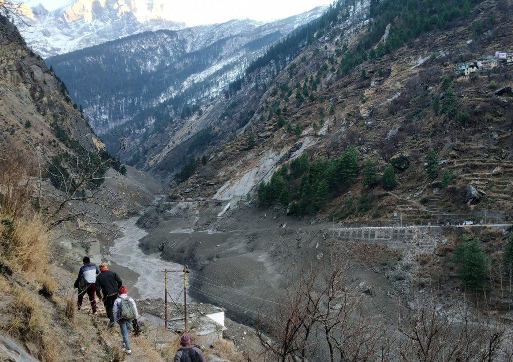 Inundação após queda de geleira deixa mortos na Índia