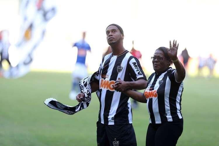 Morre mãe de Ronaldinho Gaúcho