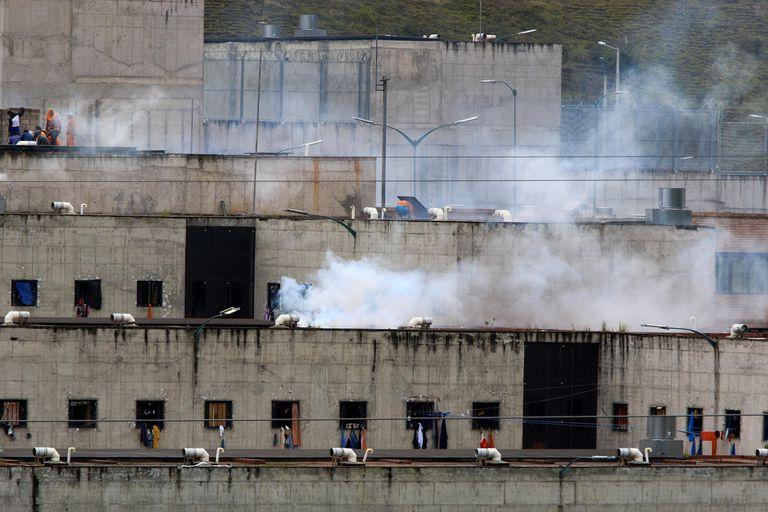 Rebeliões em presídios deixam pelo menos 62 mortos