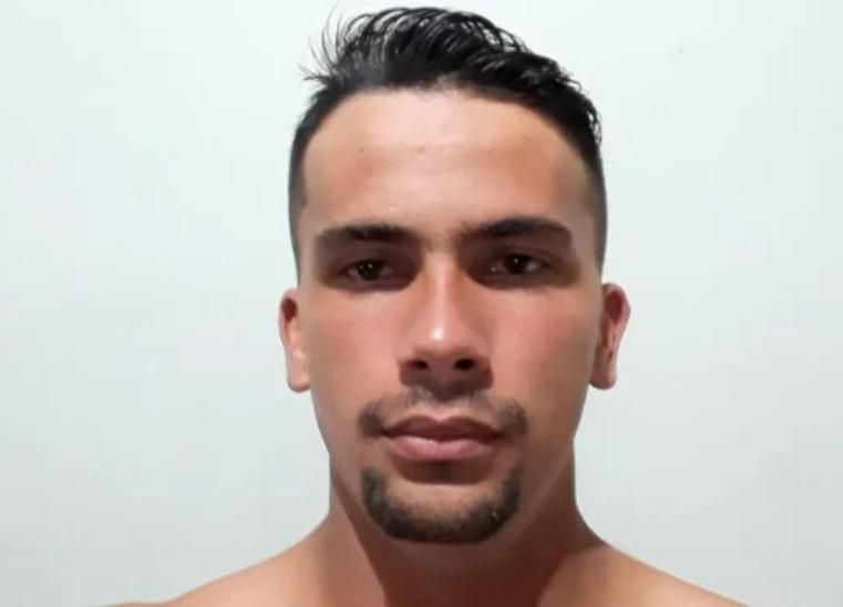 Corpo de jovem é encontrado com queimaduras, tiros e lesões na cabeça