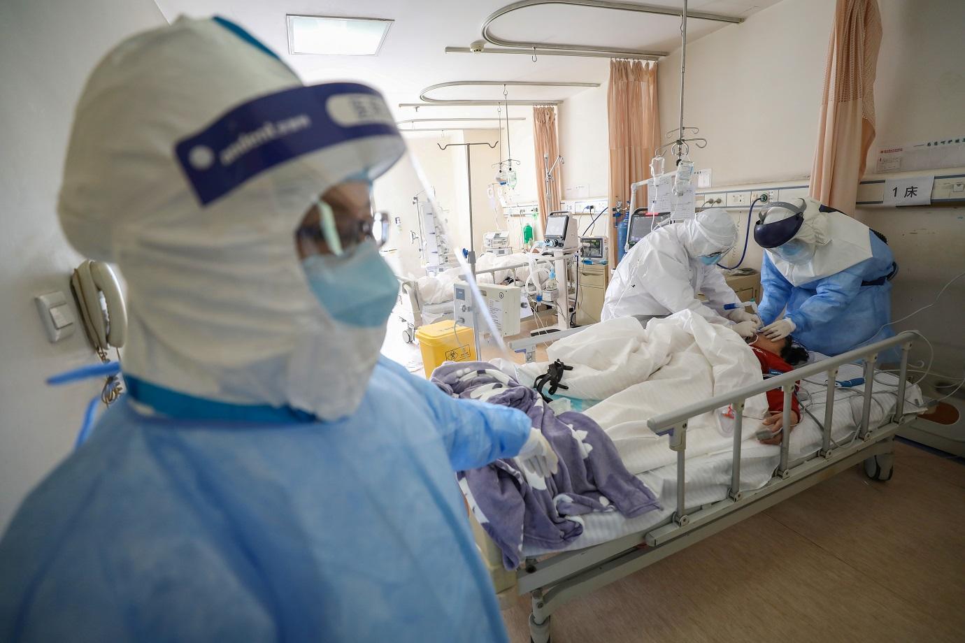 Brasil registra 1.726 mortes em 24 horas e bate novo recorde na pandemia