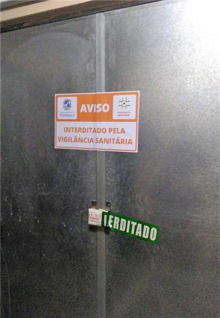Manhuaçu: Academia interditada por agentes da fiscalização