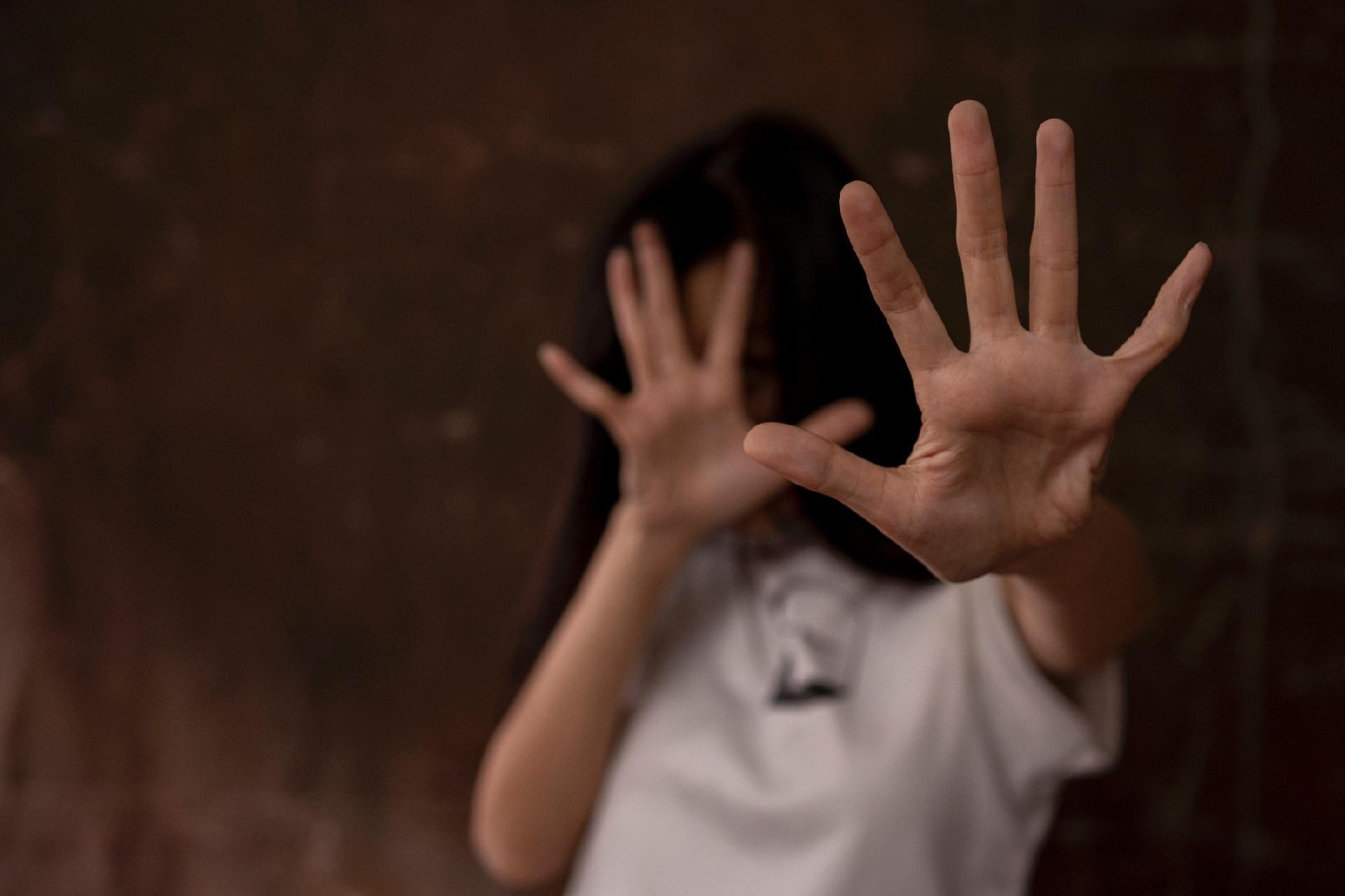 Homem é condenado a quase 200 anos de prisão por estuprar enteadas em Alfenas