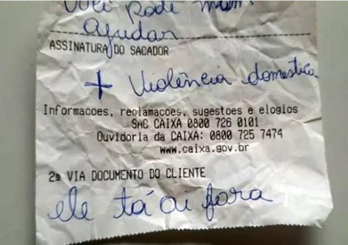 Mulher é libertada de cárcere privado após entregar bilhete em banco