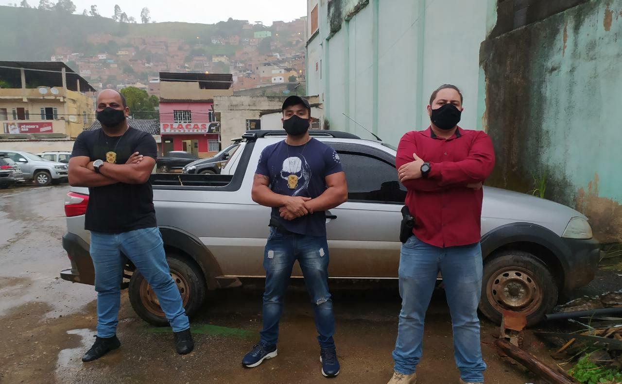 Polícia civil de Manhuaçu apreende caminhonete clonada