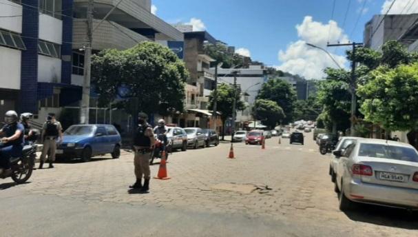 Polícia Militar realiza operação com abordagem a motociclistas no bairro Coqueiro