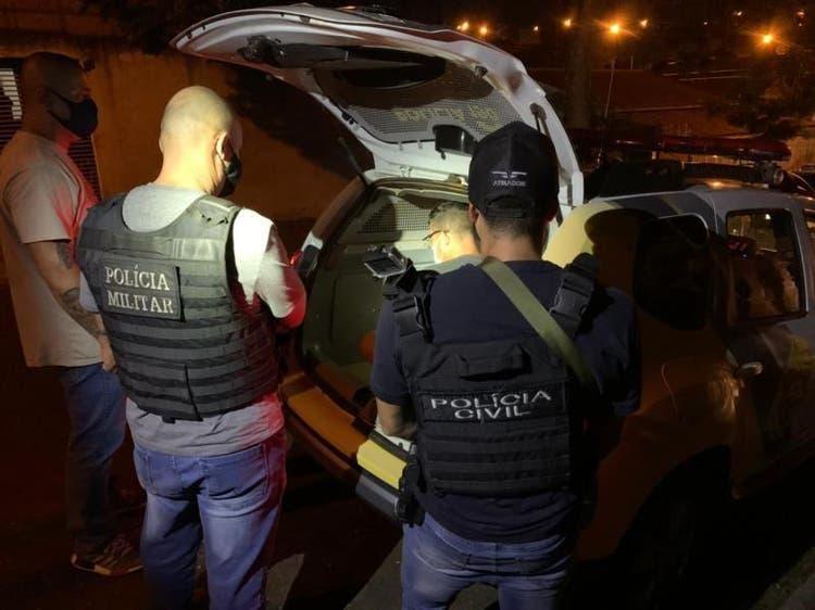 Homem preso por assassinato por uso de máscara em Itapema nega ter atirado na vítima