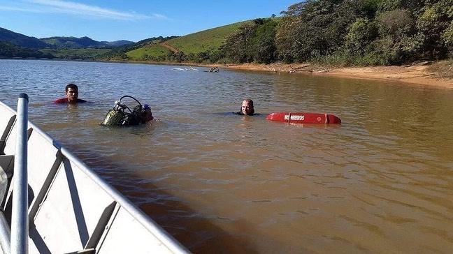 Bombeiros localizam corpo do jovem que se afogou em represa