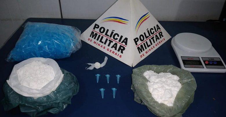 Autor de tráfico é preso e drogas são apreendidas no bairro Sagrada Família em Manhuaçu