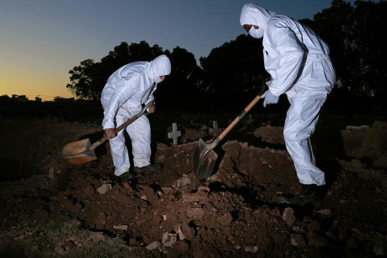 Brasil registra 3.036 mortes e 71.137 novos casos em 24h