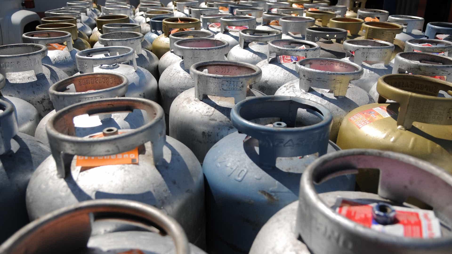 Gás de cozinha segue em alta duas semanas após reajuste pela Petrobras