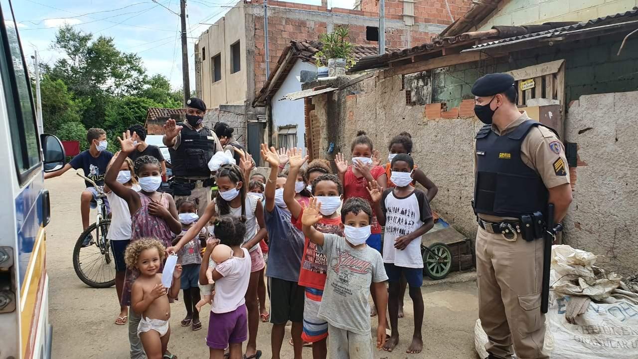 Polícia Militar de Manhuaçu inicia a campanha Doe Esperança
