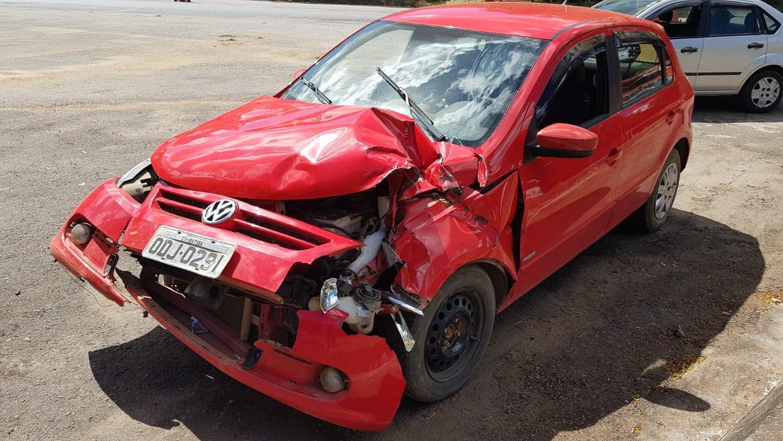 Homem é preso em flagrante após fugir e bater com carro furtado em Realeza