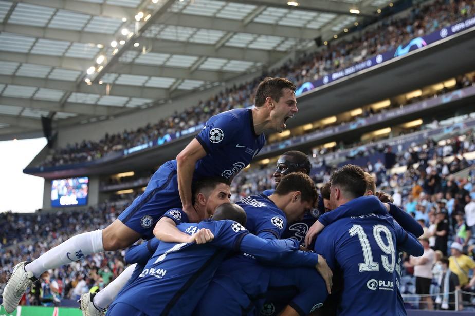 Chelsea segura pressão do Manchester City de Guardiola e bi da Champions