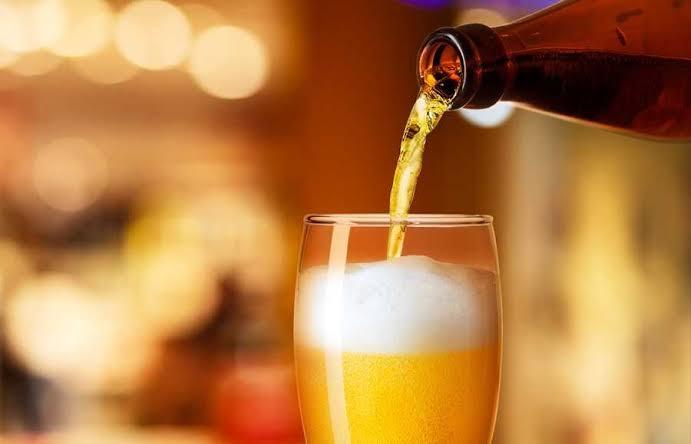 Consumo de cerveja 'migra' para dentro de casa e volume de vendas no Brasil é o maior desde 2014