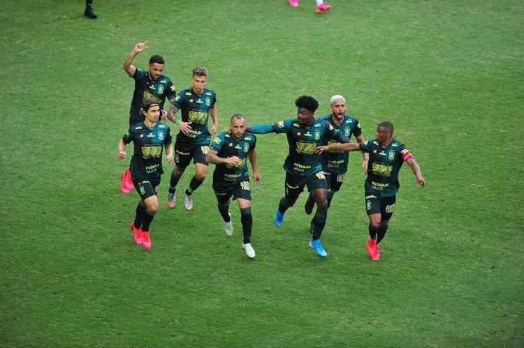 América mostra superioridade, vence o Cruzeiro e encara o Atlético na final