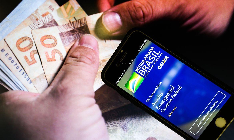 Governo de MG sanciona lei que prevê pagamento de auxílio emergencial de R$ 600