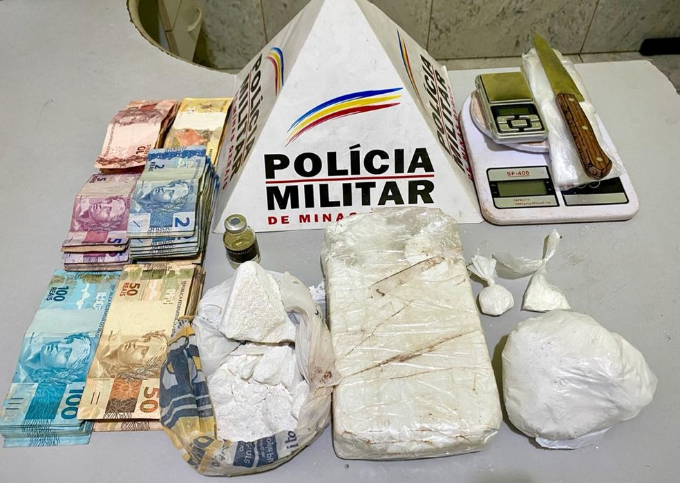 Casal é preso com quase 2 kg de cocaína e mais de R$ 6 mil