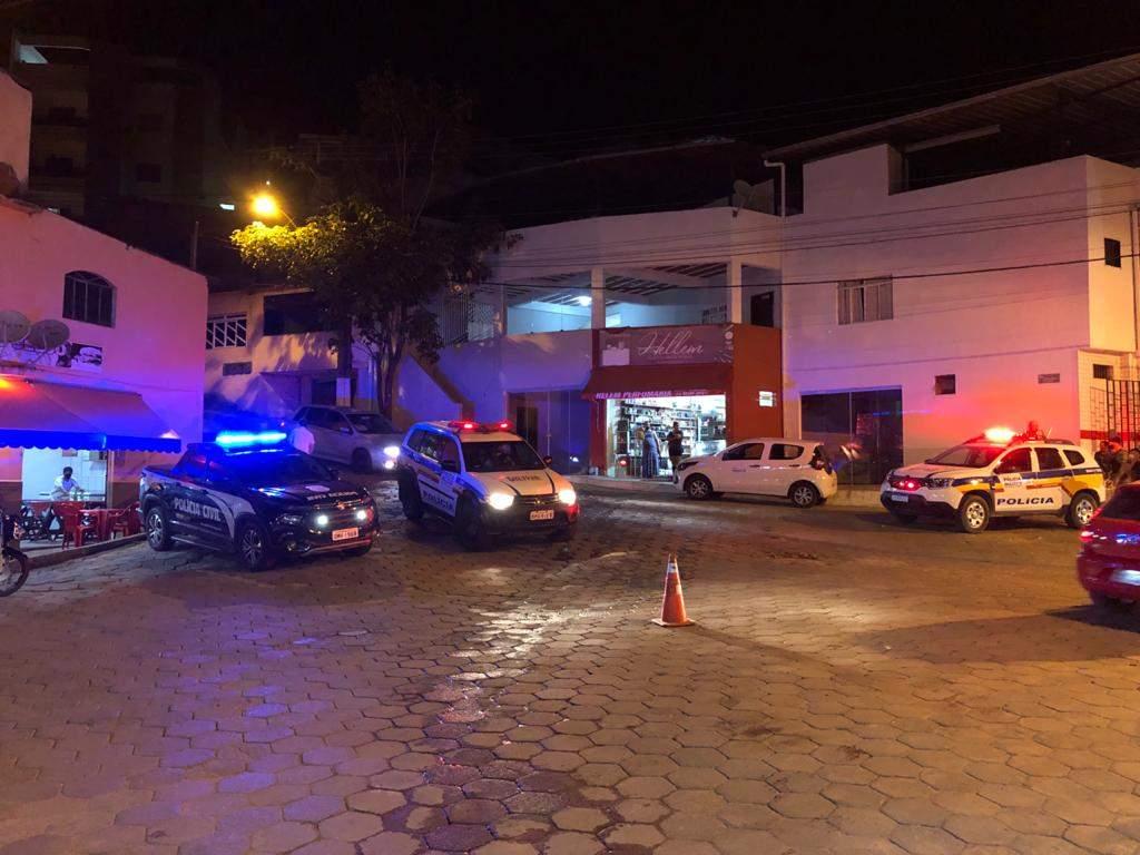 Prefeitura, PM e PC fiscalizam bares e inspeciona alvarás em Manhuaçu