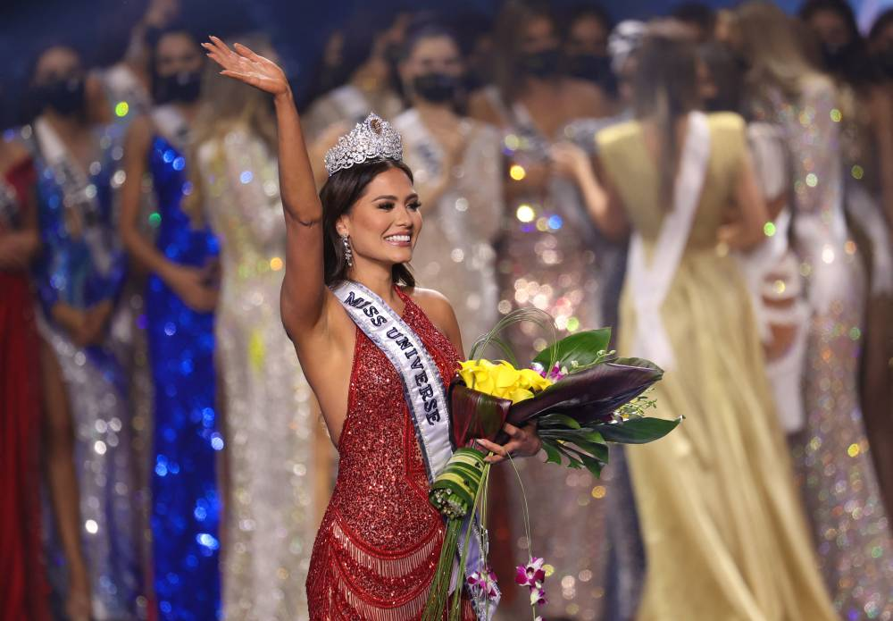 Júlia Gama fica em 2° lugar no Miss Universo; candidata do México vence