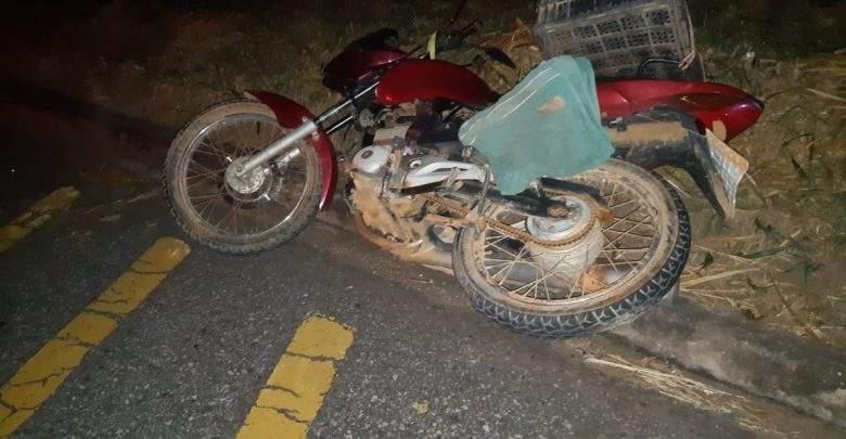 Motociclista morre ao bater em canteiro próximo a Martins Soares