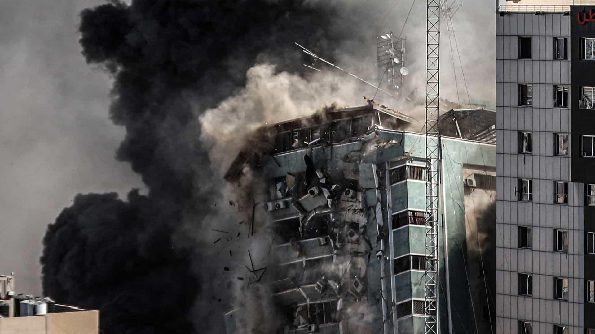 No 1º dia do cessar-fogo, Gaza dimensiona danos e retira 5 corpos de escombros