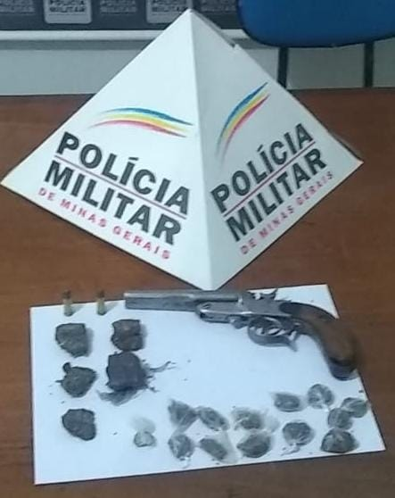 PM apreende arma de fogo com adolescente em Dom Correa