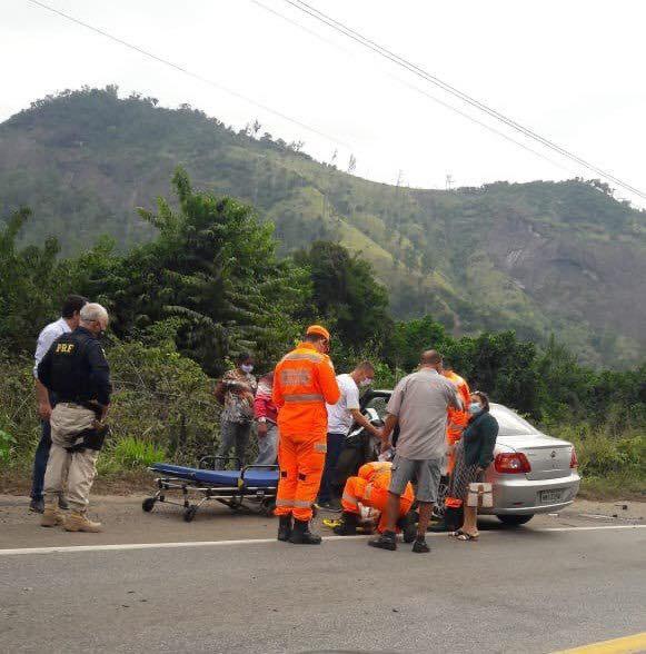 Mãe e filha ficam feridas em acidente na BR-381