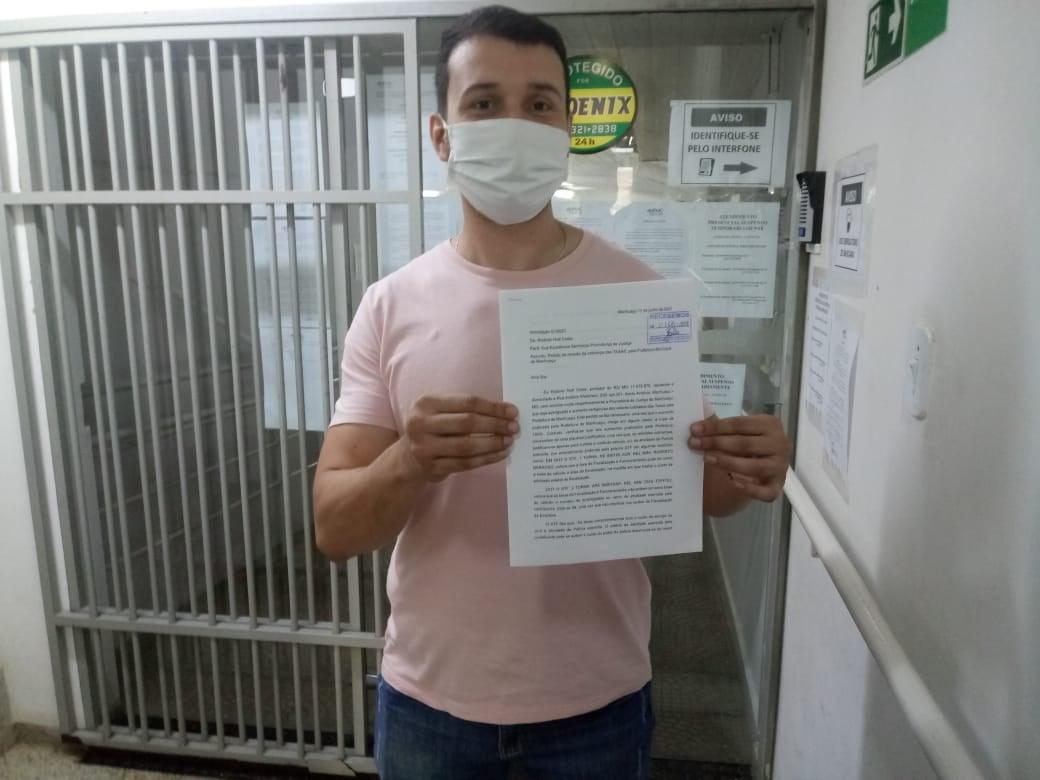 Comerciante Protocola na promotoria de justiça um pedido de revisão da cobrança das TAXAS praticadas pela Prefeitura de Manhuaçu