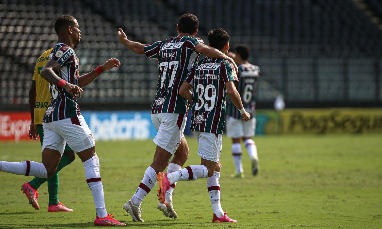 Fluminense bate Cuiabá e vence a primeira no Campeonato Brasileiro