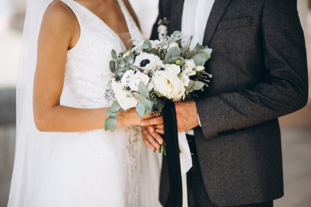 Noiva morre pouco antes de dizer 'sim' e noivo se casa com a cunhada