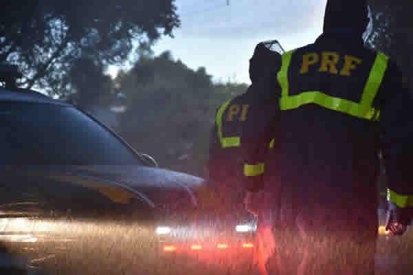 PRF prende homem procurado pela Justiça e considerado um dos líderes do tráfico em Manhuaçu