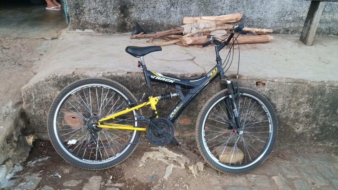 Polícia Militar prende autor e recupera bicicleta furtada em residência do distrito