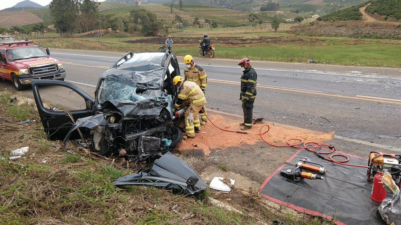 Mulher morre em acidente próximo a São João do Manhuaçu
