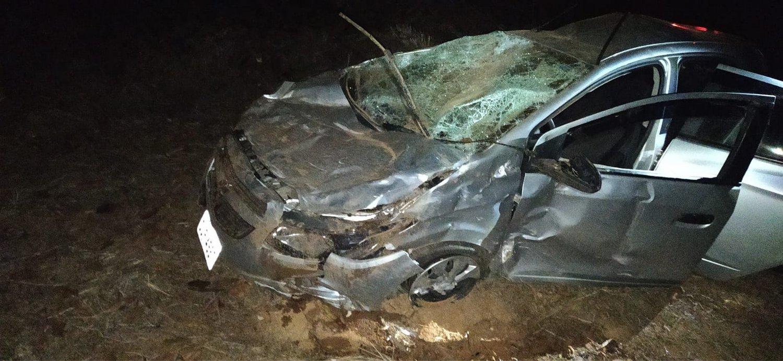 Carro sai da pista e capota no trecho Manhuaçu – Realeza